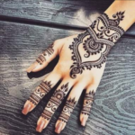 Why do you still put Henna?