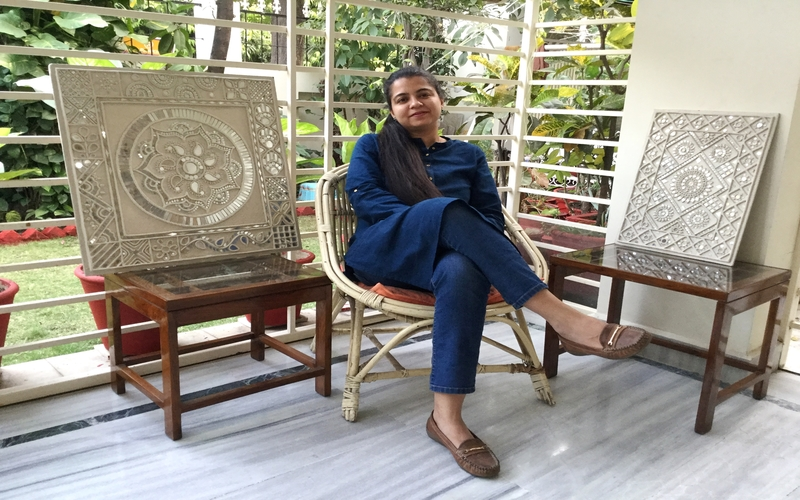 Chitra Shekhar:A Self-taught Teacher of Lippan Kaam