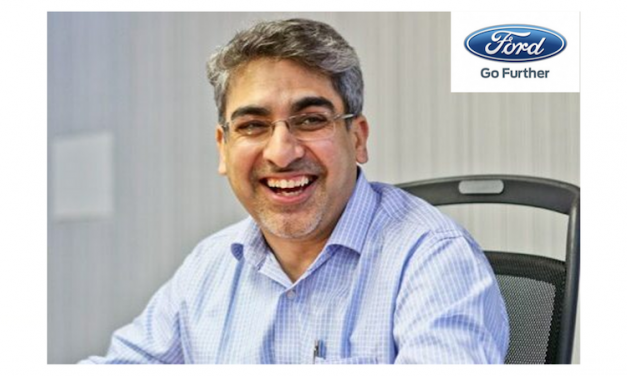 When Ford India MD Stepped In To Help Out A Lady Experiencing A Car BreakDown In Gurgaon